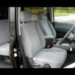 ホンダ・モビリオ:セカンドシートやサードシートへのアクセス Honda MOBILIO GB1 power of dreams