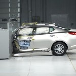 2012 Kia Optima small overlap IIHS crash test 【起亜】