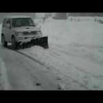 パジェロミニH58Aオートマ車による除雪作業ノーマルタイヤです。