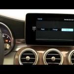 メルセデス・ベンツ CクラスにおけるApple CarPlayのデモンストレーション