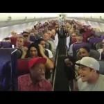 【再生数2400万回超え!】飛行機内で本物のライオンキングのパフォーマンス!