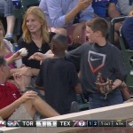 【えっ!?凄い子供!】ファールボールを取った少年がとった行動とは?