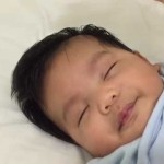 【凄い裏技!パパやママは必見!】グズる赤ちゃんを30秒で寝かせる魔法の方法!