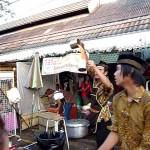 【凄すぎ!魔法みたい!】タイのバンコクの紅茶屋のミルクティーの屋台のパフォーマンス!