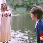 【ドッキリ企画!】池に落ちたボールを拾ってくれる救世主!