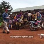 【純粋!】アフリカの子供達がドローンを見て大騒ぎ!
