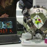 【世界記録!】0.637秒でルービックキューブを揃えるロボット!