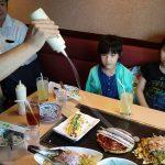 【マヨビーム!】大阪のお好み焼き屋さんでマヨネーズビームプシャー!