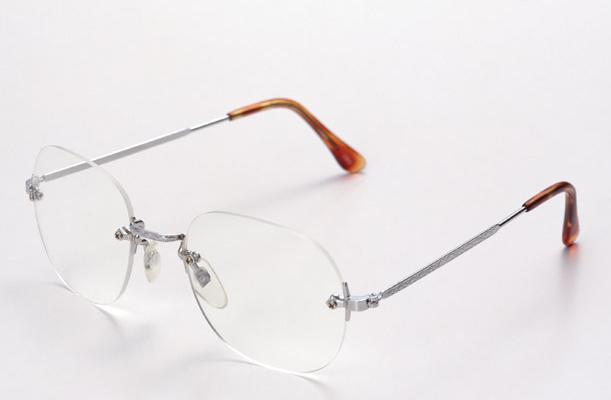 老眼鏡・シニアグラス~おすすめ・おしゃれ・通販・値段・遠近両用・度数可変・首かけ・レディース・マグネット・コンパクト・どこで買う・いつから・作り方・シニアグラスとは・シニアグラスライフワン・ピントグラス・ブルーライトカット・100均・ブランド・JINS・Zoff・ハズキルーペ・眼鏡市場・鯖江~